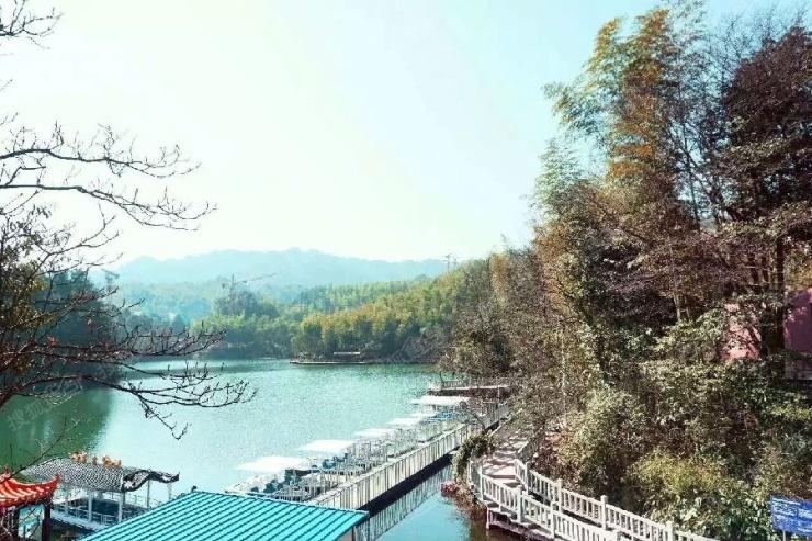 仙岛湖玻璃栈道开放
