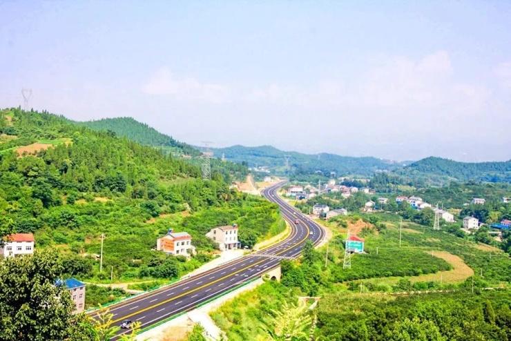 """""""宜昌市最美旅游风景道""""之小鸦一级公路"""