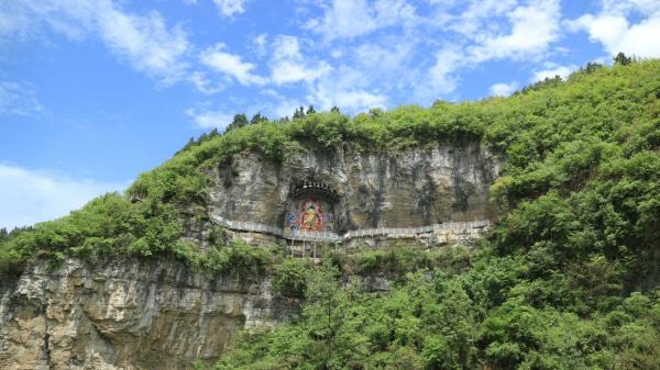 与巫山峡谷风景区近邻的双龙镇,也是一个不容错过的旅游胜地.