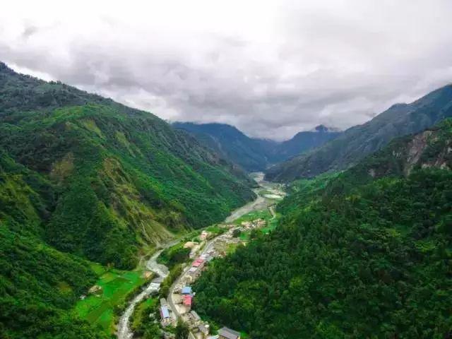 汶川耿达镇风景区摄影