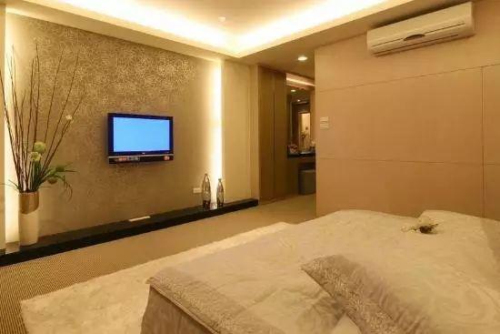 背景墙颜色搭配,打造优雅欧式卧室!