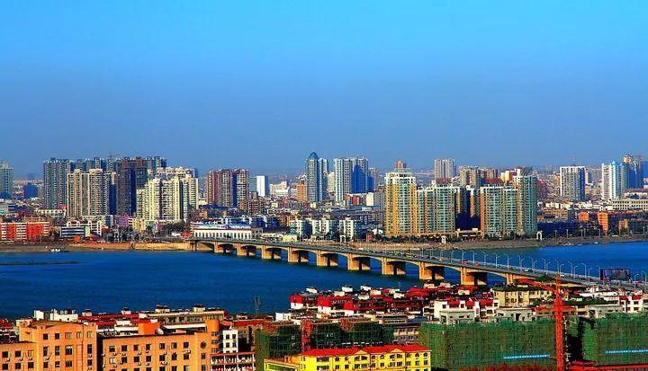 襄阳城市发展光彩夺目