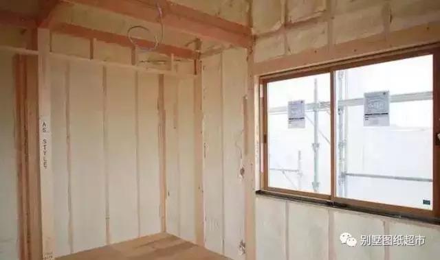 房屋内部装修施工现场
