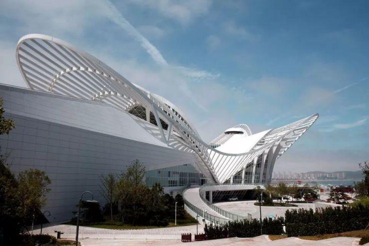 仿生建筑最核心的设计内容不只是形态,更核心的是具有生物逻辑的结构