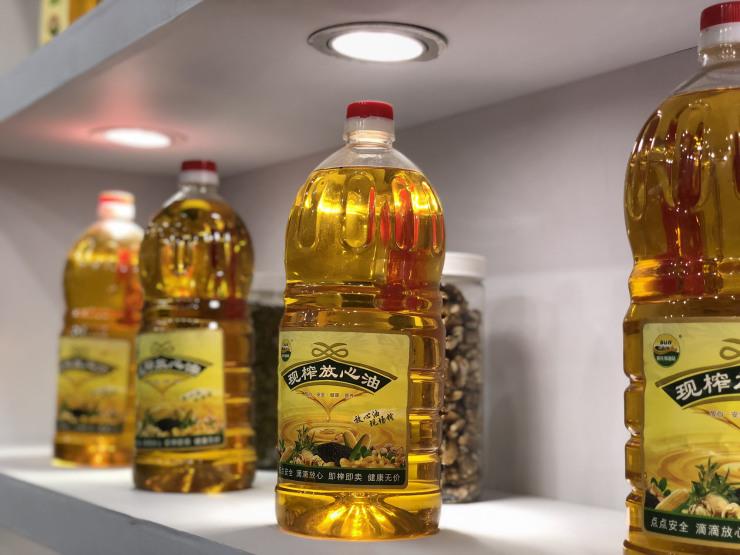 阳光加油站加盟费大概多少钱,为意向加盟商开粮油店指点迷津