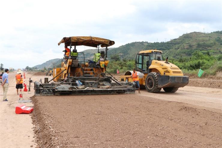 天水市秦州大道项目路基已基本完成 确保年内完成铺油工作