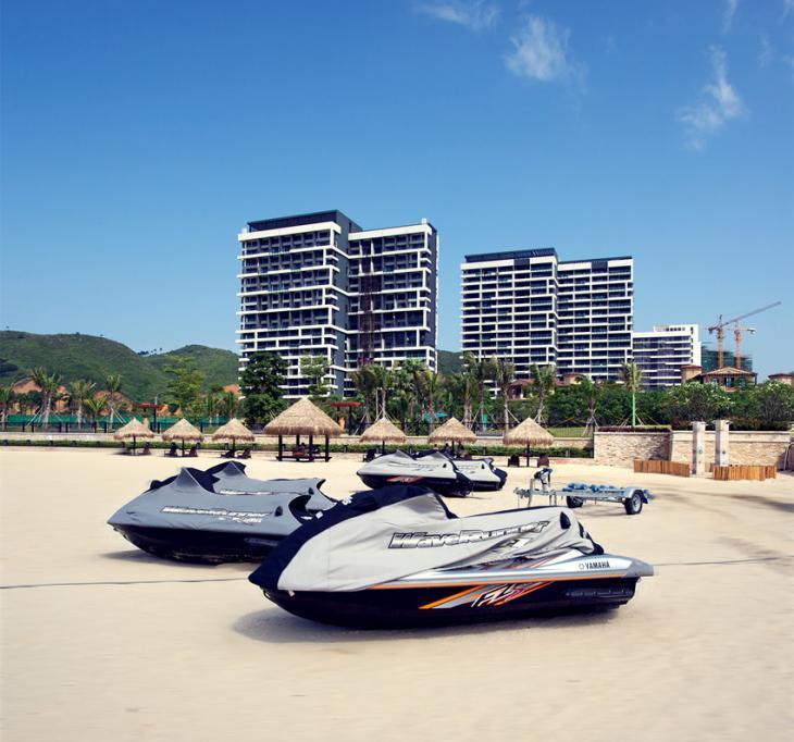 游艇阳光沙滩,金秋9月不能再错过碧海蓝天
