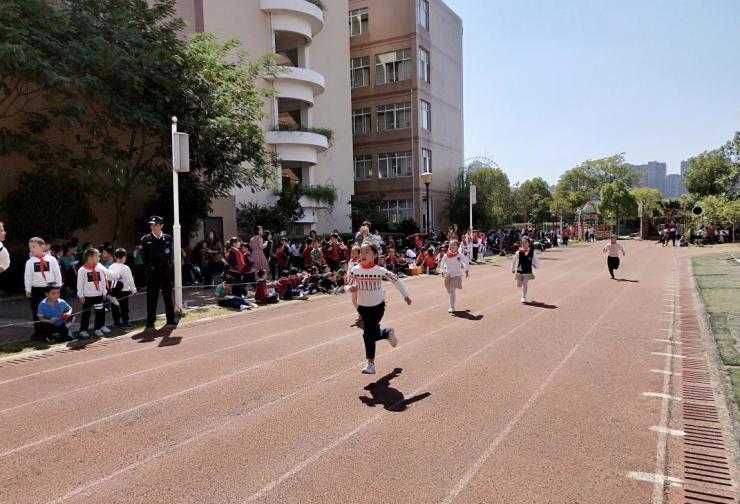 运动快乐,南师附小红谷滩二部举办第六届秋季运动会