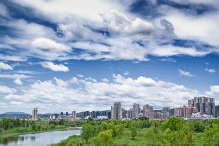 霸州召开生态环境保护大会,坚决打好污染防治攻坚战