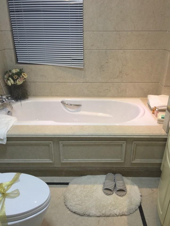 """如果浴缸出现""""伤痕""""该如何修复?"""