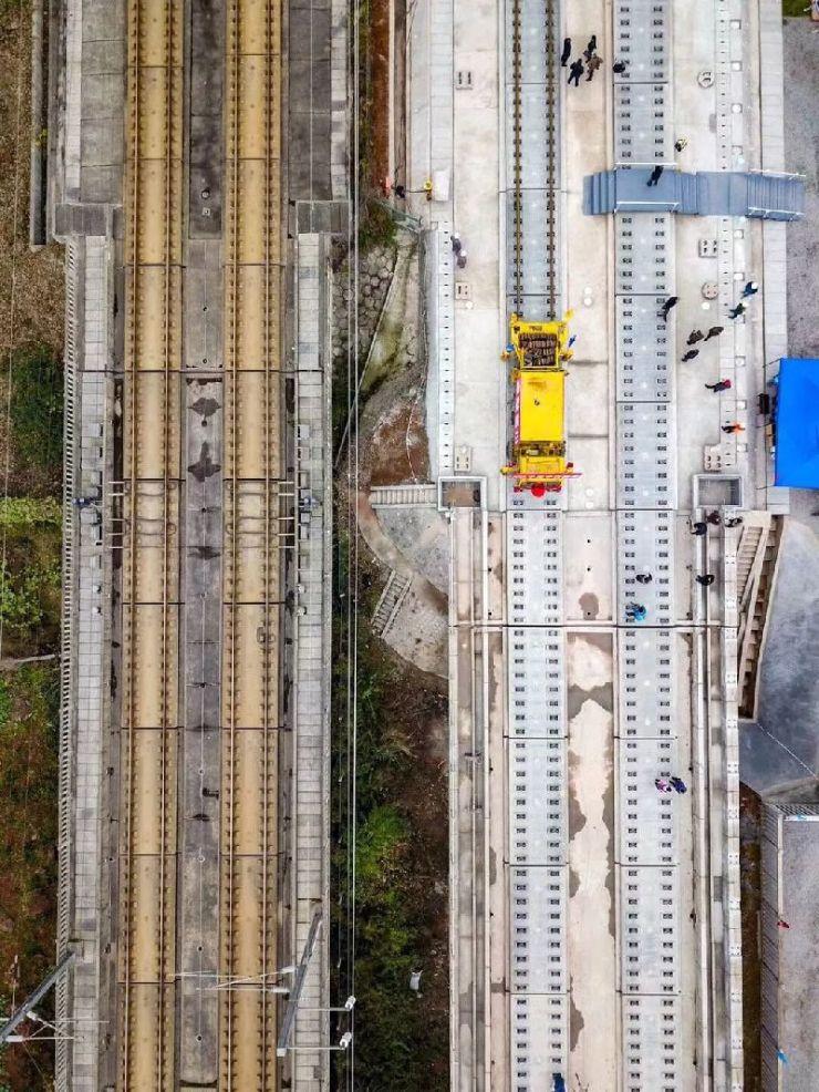 成贵高铁2019年全线通车 成都3小时飙贵阳骤减9小时