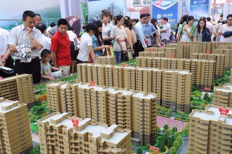 2018年三四线城市房价猛涨?背后推手是开发商、炒房客?
