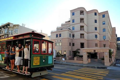 """在旧金山年入11万美元仍是""""困难户"""" 英媒:房租太高"""