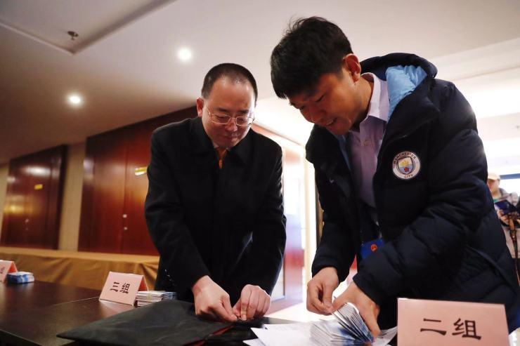 北京市十五届人大三次会议明天开幕,代表开始报到