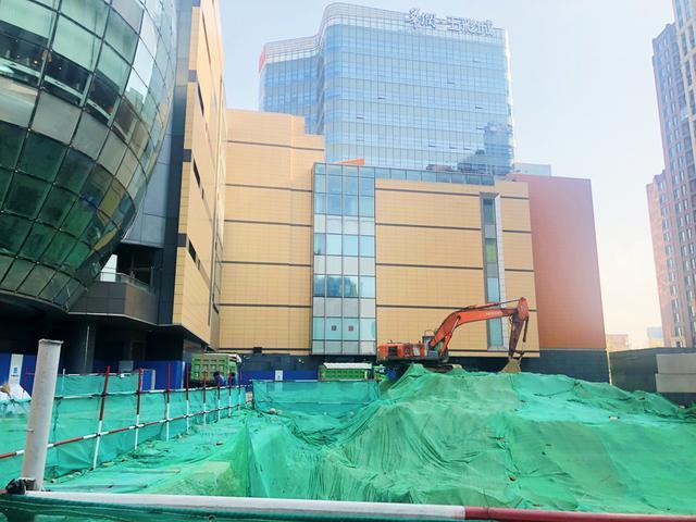 清河五彩城立体停车设备预计明年下半年启用
