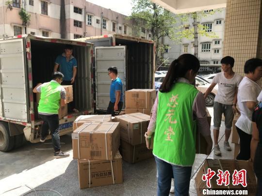 白求恩潮阳医院捐赠300箱药品支援潮阳灾区