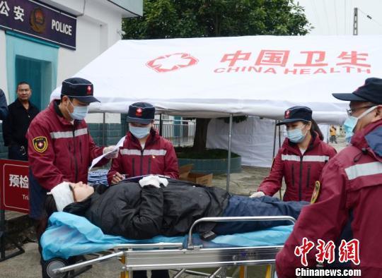 四川举行近年来最大规模卫生应急(国防动员)演练