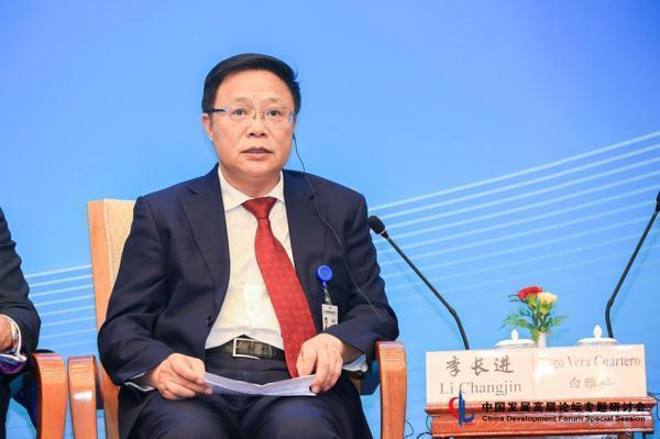 中国中铁董事长李长进建议:不符地铁修建条件的城市可建轻轨