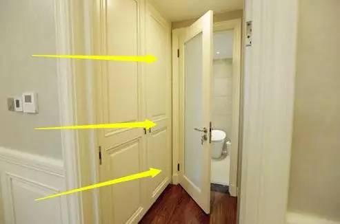 卫生间门到底是内推还是外拉?换过三套房总算是装对了!