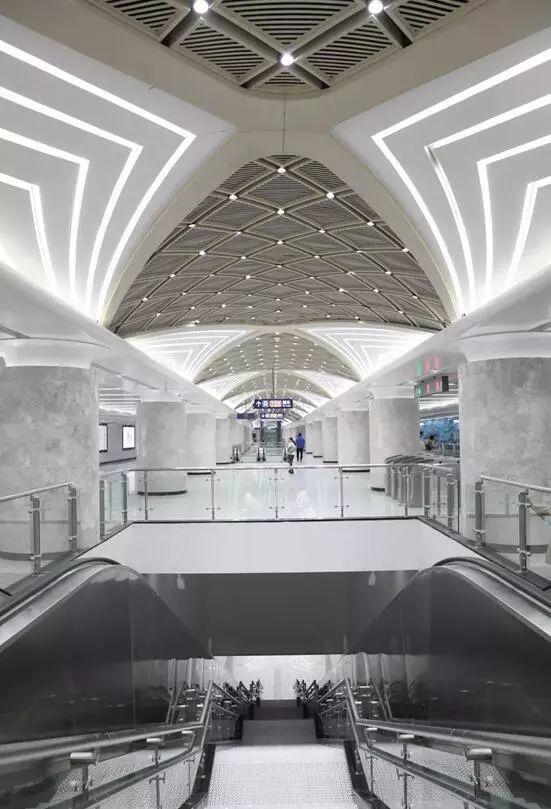 地鐵7號線、11號線,長江公鐵隧道...這些工程的開通,離不開他們的身影