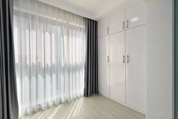 芜湖装修的软装衣柜门,到底要不要纹理?